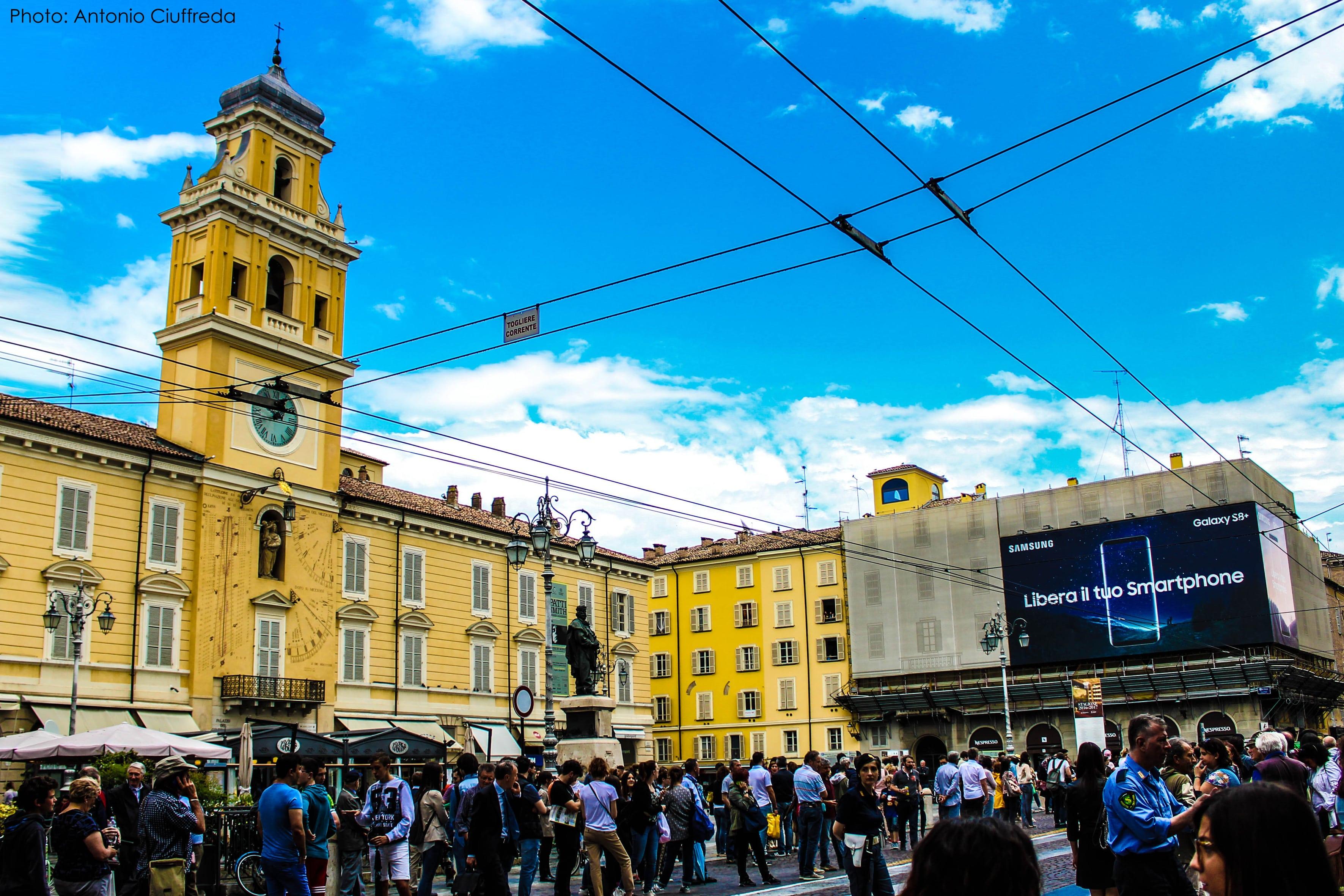 piazza garibaldi aspettando il giro d'Italia100-min